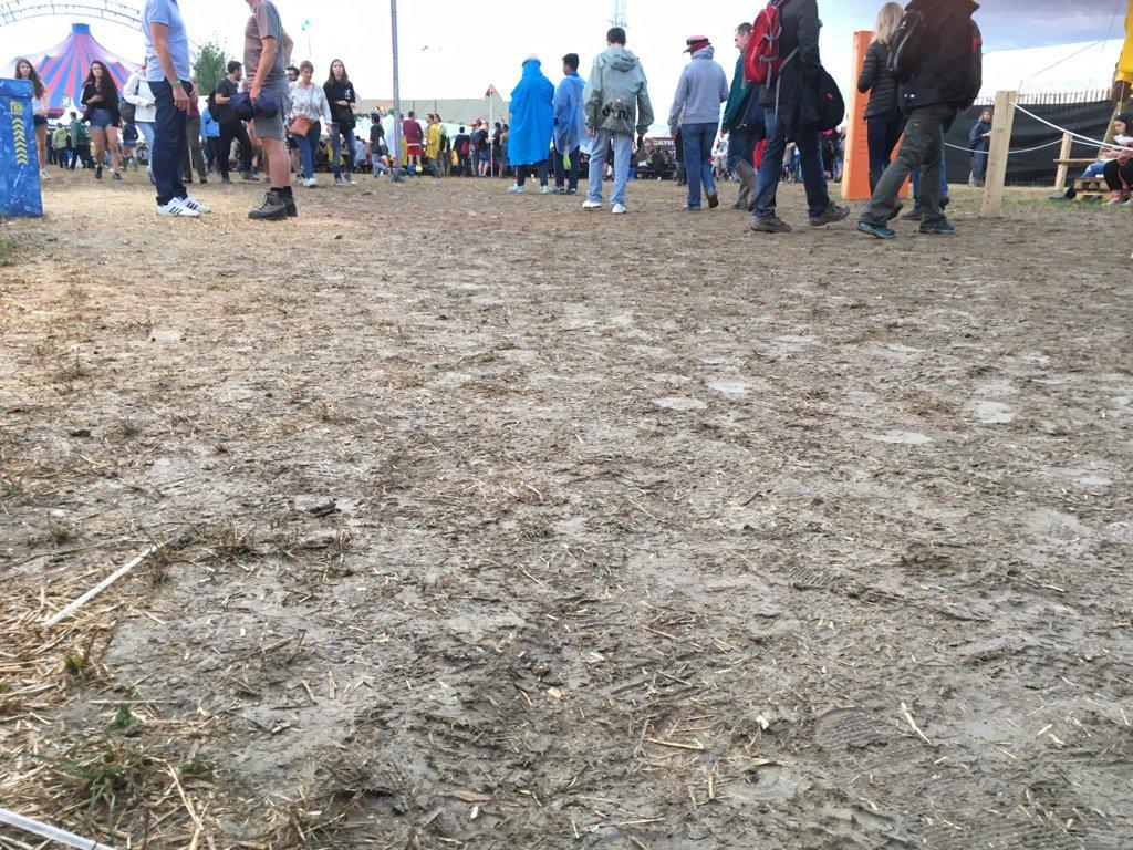Paléo sous la boue