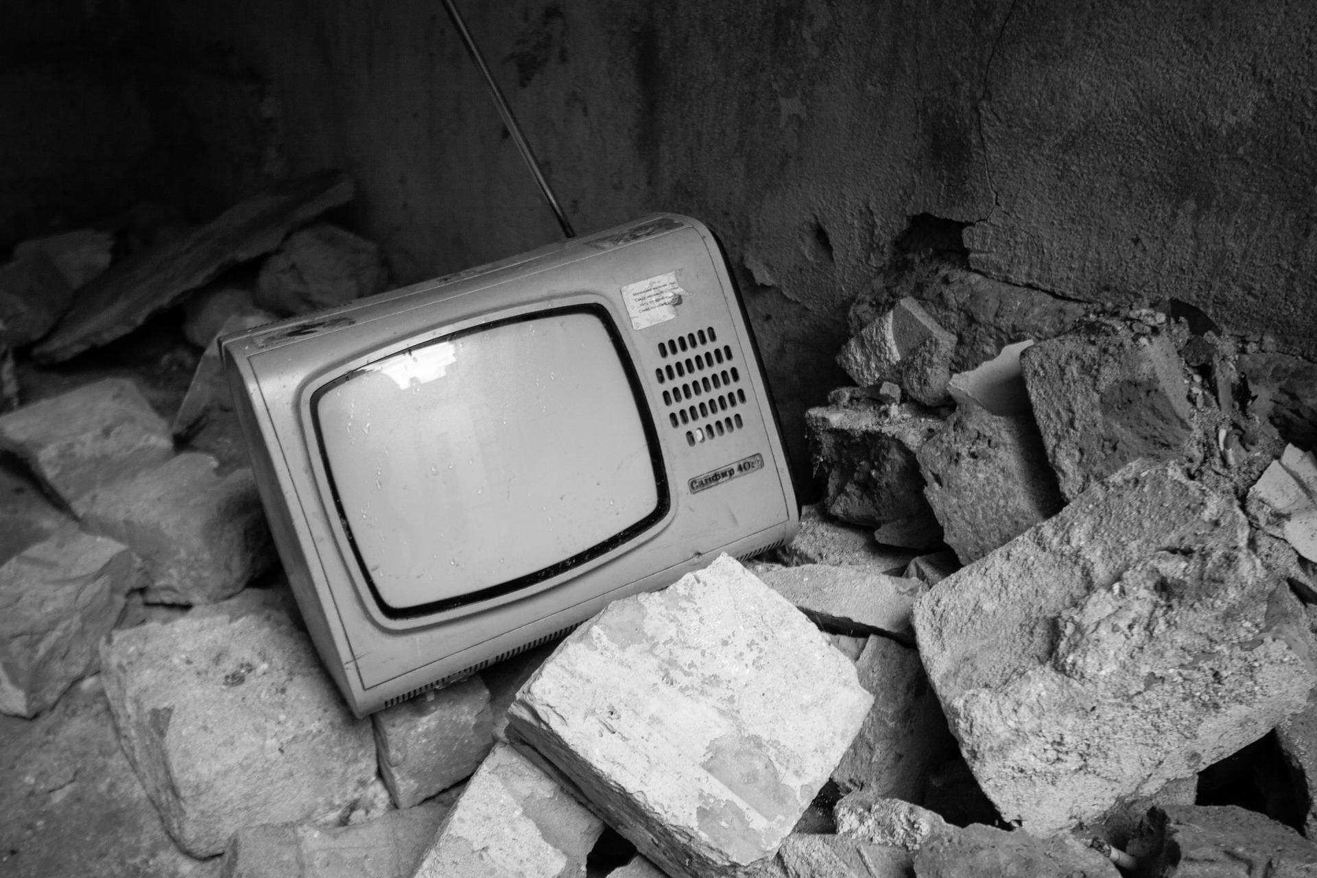 Télévision à la décharge